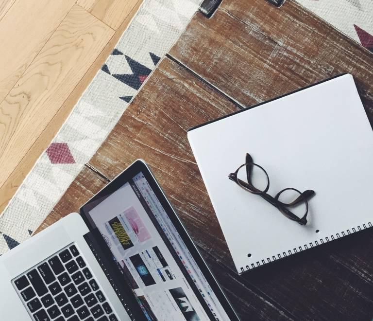 Oferta de Prácticas Diseñador Gráfico Off y Online
