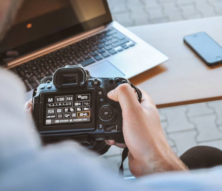 Oferta de Empleo Estudio de Fotografía